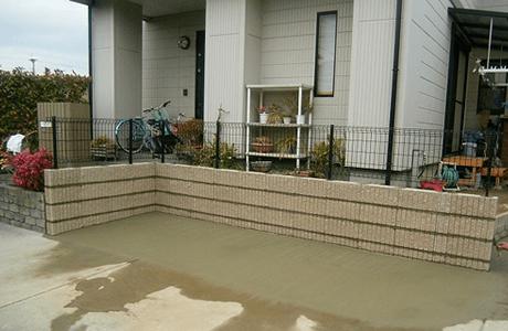 駐車場とフェンスの設置1