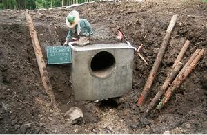 山作業道流木片付け、排水パイプ設置工事5